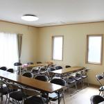 【食堂】 昼食やティータイムなど飲食をする際に利用する部屋です。
